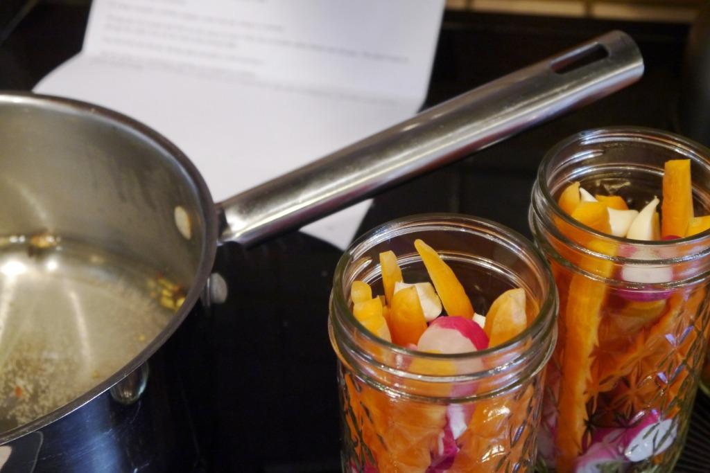 Pickling jar setup